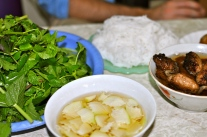 Bun Cha: rice noodles with grilled pork