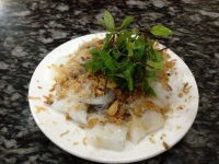 Banh Cuon: rice paper rolls with minced meat and mint