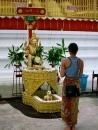 Ting's prayer ceremony at Shwedagon pagoda