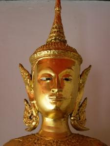 Golden statue at Wat Pho